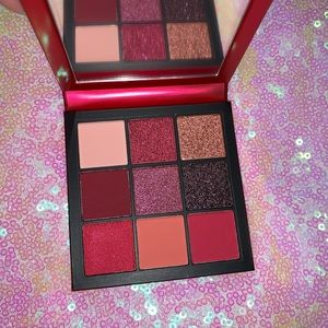 Huda Beauty Ruby Obsessions Eyeshadow Palette